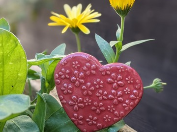 Selling: Heart Plant Stake