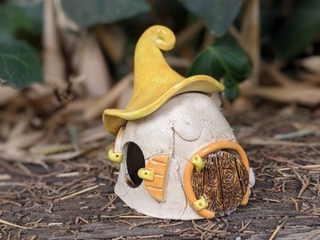 Selling: Fairy House with cat
