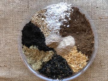 Selling: Super Veg Mix Soil